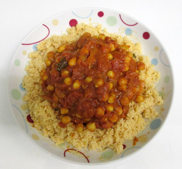 Le chana masala est un curry végétalien de pois chiches. Cette recette indienne vegan est très rapide et simple  réaliser.
