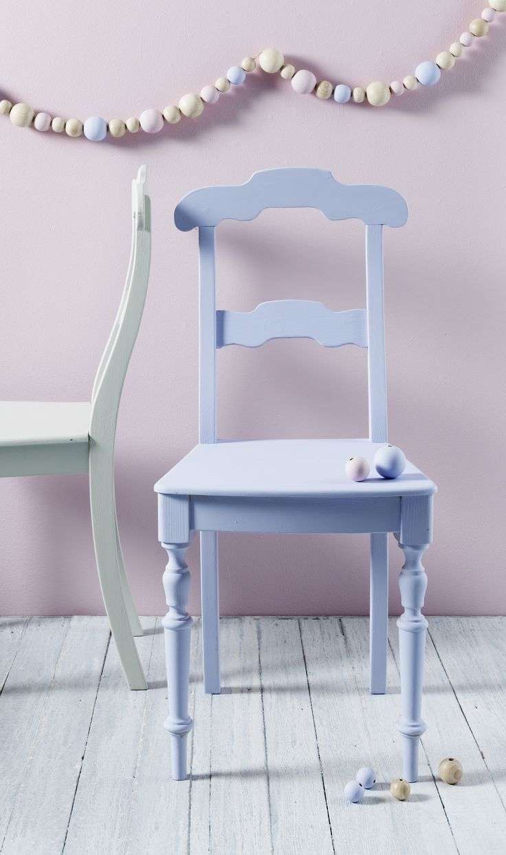 Måla om dina möbler! Möbelfärg hos Panduro Hobby www.pandurohobby.se www.pandurohobby.com