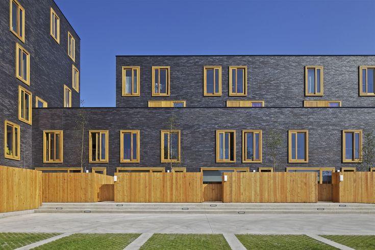 FRES architectes - Paris - Architecten #materialisatie #baksteen #hout #tuin #privacy