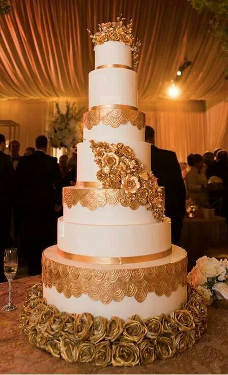 Wedding African American Fed Wife Cake