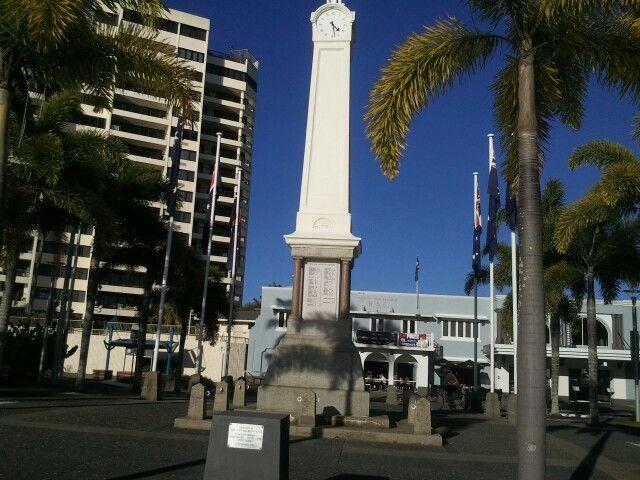 Cairns Cenotaph & RSL