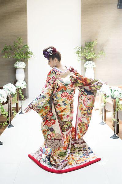 教会で着物 CUCURU 唐織紗綾花鶴 着物ウェディング 和婚 色打ち掛け