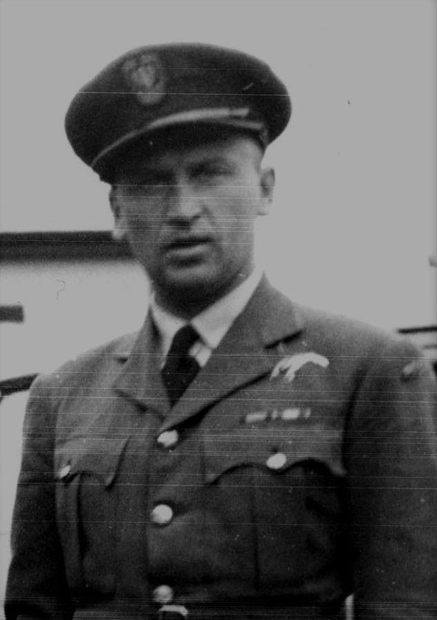 Major (Squadron Leader) Wacław Łapkowski (06 November 1913 - 02 July 1941). Victories: 6 & 1/3 confirmed - 0 probable - 1 damaged. Awards: Krzyż Srebrny Orderu Virtuti Militari (The Silver Cross of Virtuti Militari), Krzyż Walecznych 4-krotnie (Cross of Valour and 3 bars)