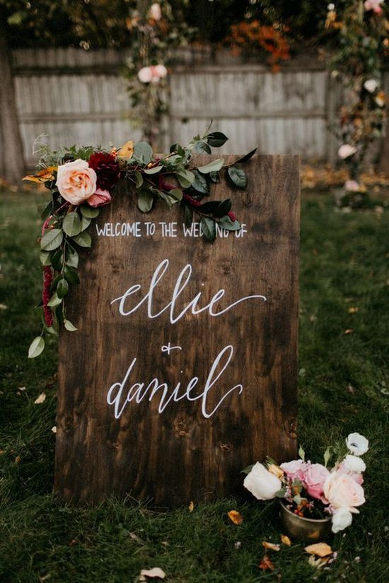moody fall wedding sign / http://www.himisspuff.com/rustic-wedding-signs-ideas/4/