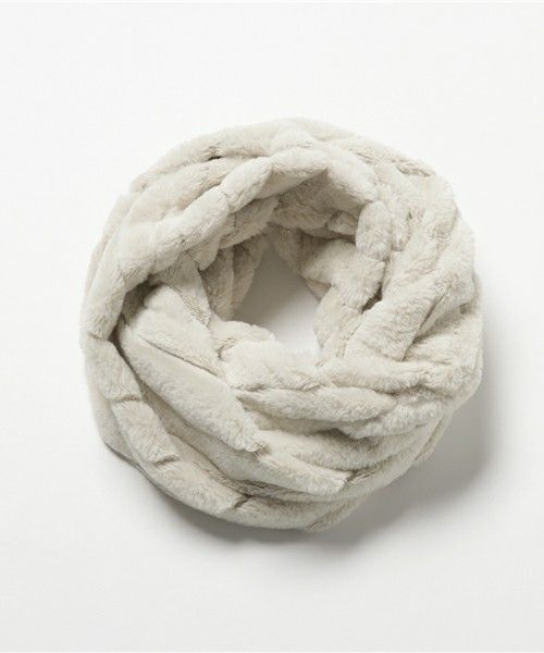 L.H.P Private Brand - White Fur Snood