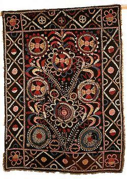 Broderat täcke från Parkano (180x130 cm). Foto: Museiverket ----- Embroided quilt from Parkano in Finland (180x130 cm) Photo: Museiverket