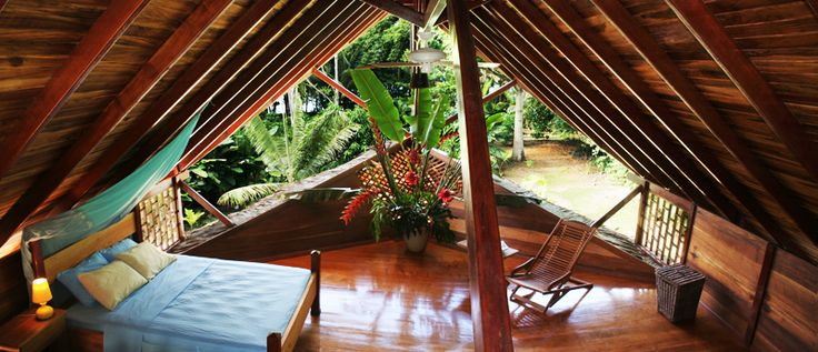 natural-eco-friendly-tree-houses-costa-rica bedroom