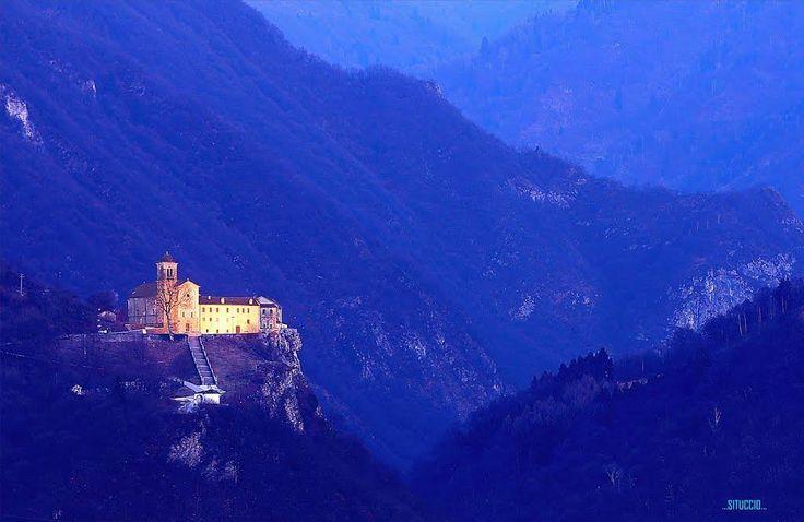 Il Santuario e Convento dei Santi Martiri Vittore e Corona Feltre Belluno Dolomiti Veneto Italia