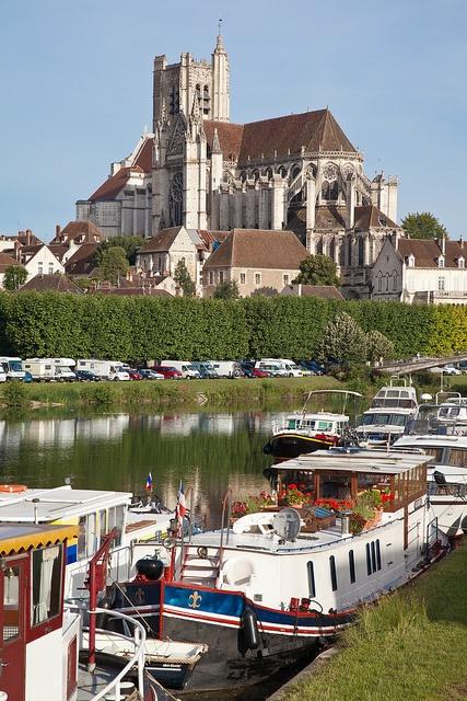 #Bourgogne #Yonne, #Auxerre, France : tussenstop naar Spanje.