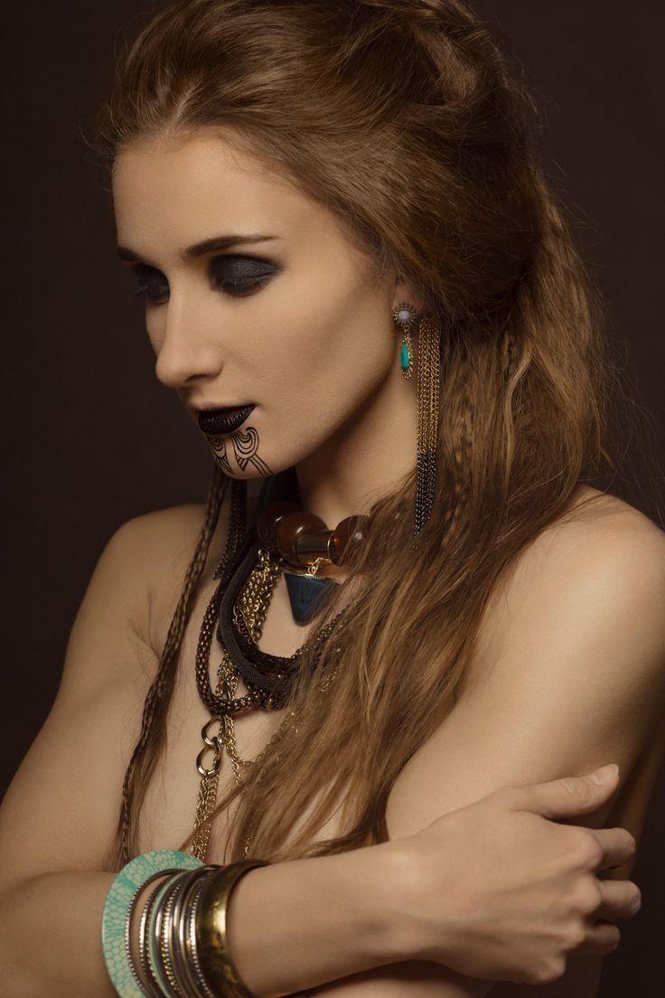 Character concept : Klaudia Utnicka Make up/ Style: Klaudia Utnicka Model: Sandra Kevin Photos: Karolina Harz