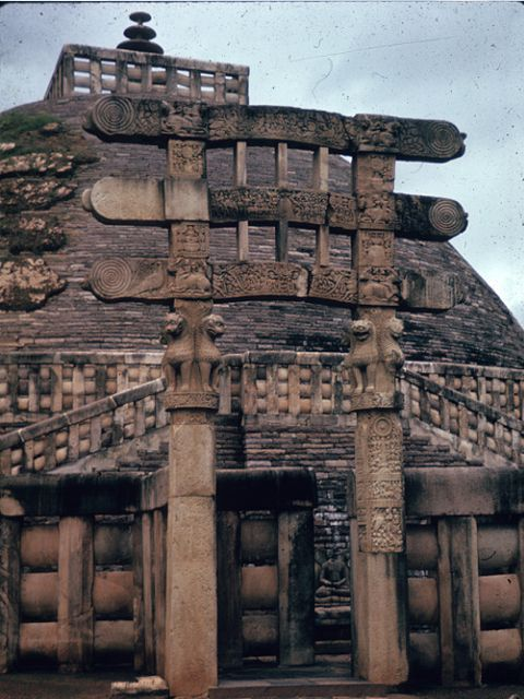 The South Torana is the most damaged of the four gates at Sanchi, but also has many exquisite carvings that are intact. http://www.guiddoo.com/