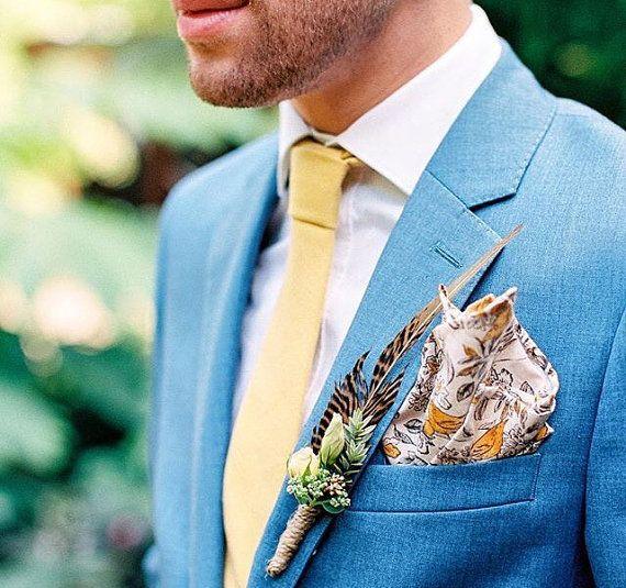 Schmale, gelbe Krawatte für den Bräutigam oder Hochzeitsgast. Zu finden auf Etsy.