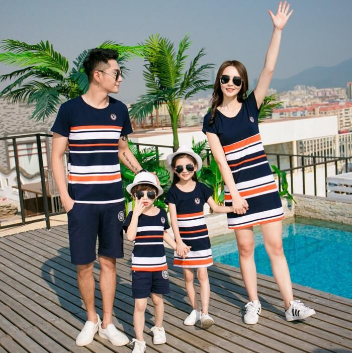 2017 Family Matching Clothing Fashion Look Striped Summer T-shirt Outfits Mother And Daughter Dresses And Father Baby Boy Girl