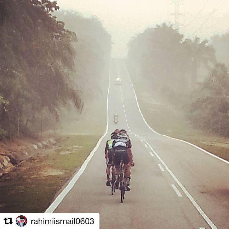 #Repost @rahimiismail0603 with @repostapp  #ride #bicyclingtour #bicycle #roadbike #melaka  #malaysia