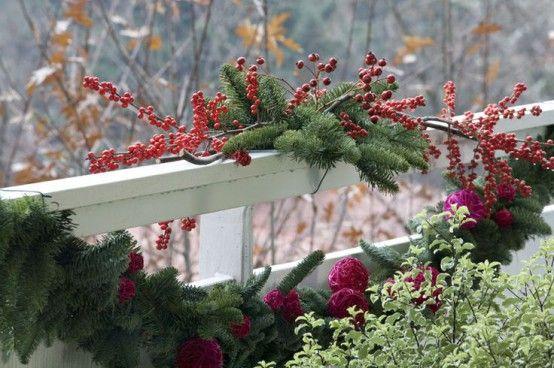 17-fantasticas-ideas-para-decorar-tu-balcon-esta-navidad-13