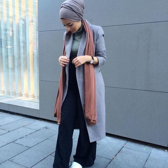 long gray coat hijab fashion- Modern Hijab Street styles http://www.justtrendygirls.com/modern-hijab-street-styles/ #StreetHijabFashion