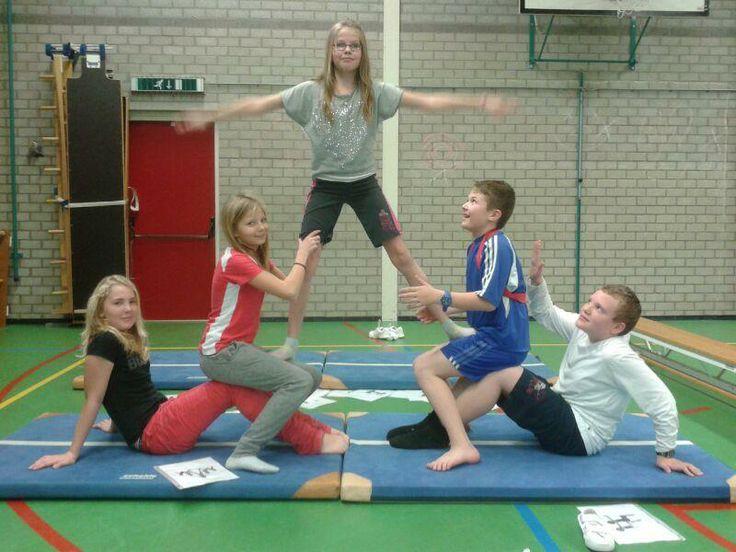 Acrobatiek in de gymles