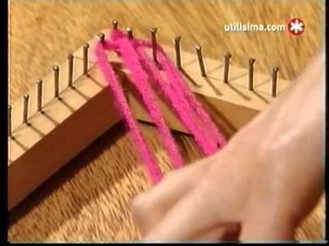 Como tejer un chal en telar cuadrado - YouTube