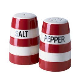 Cornish Red salt and pepper shaker set. A classically simple design, with the famous Cornishware type. An ideal kitchen-table condiments cruet.