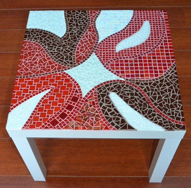 Side table, by Laura Leon Mosaics, via Flickr
