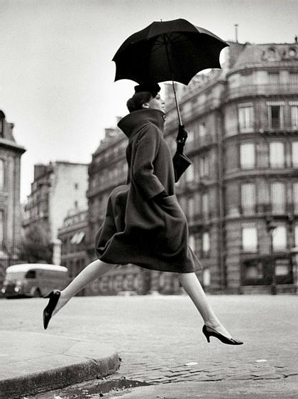Richard Avedon, Tribute to Munkacsi, Carmen, François I Place, Paris, 1957