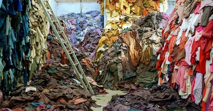 Fast Fashion – A indústria da moda barata mata, polui e escraviza