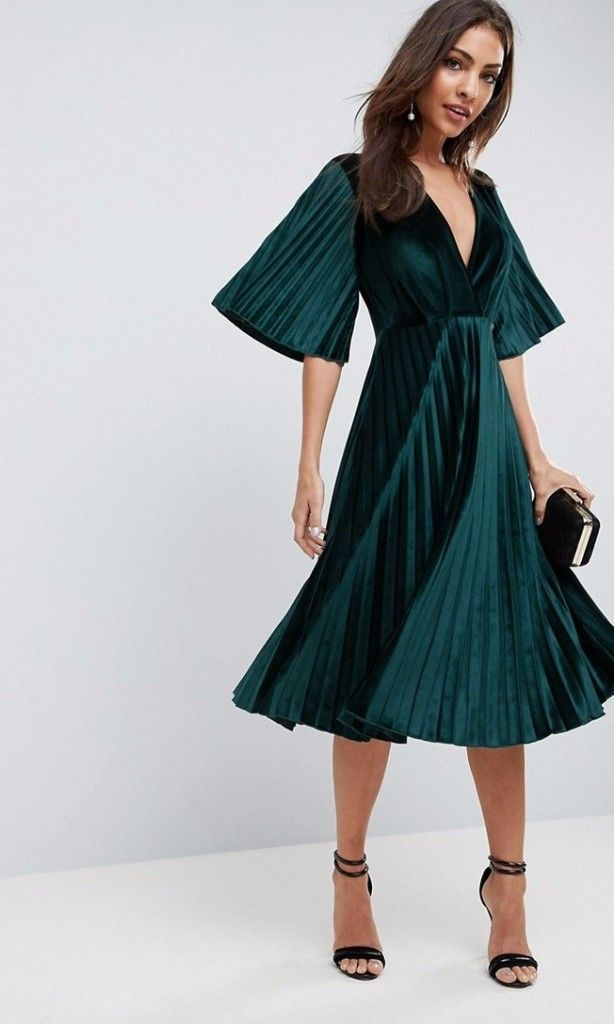 7 Bridesmaid Dress Trends To Try In 2018 Trending Dresses Green Wedding Guest Dresses Red Bridesmaid Dresses
