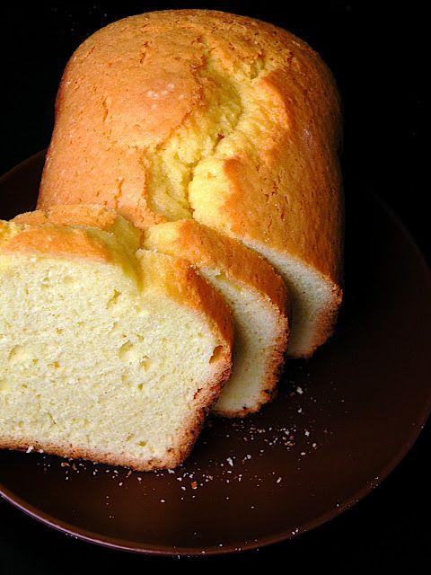 Ciasto cytrynowe      4 jaja     300 g cukru      szczypta soli     120 g masła     450 g przesianej mąki (najlepiej Szymanowska)     3,5 łyżeczki proszku do pieczenia     1 cytryna