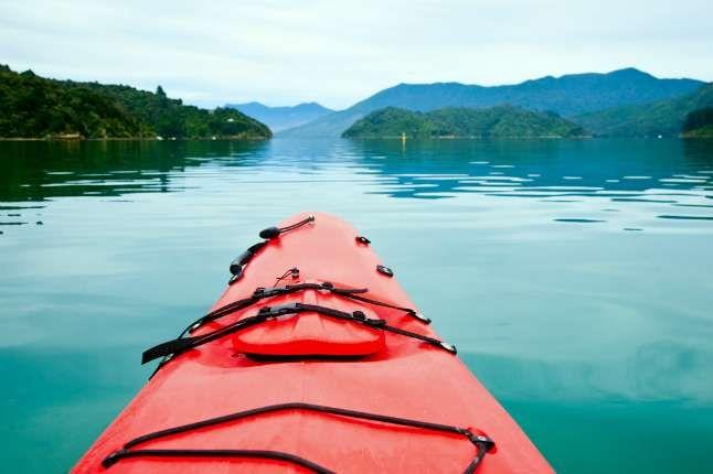 6 Expert Tips for Beginner Sea Kayakers: http://www.theactivetimes.com/6-expert-tips-beginner-sea-kayakers