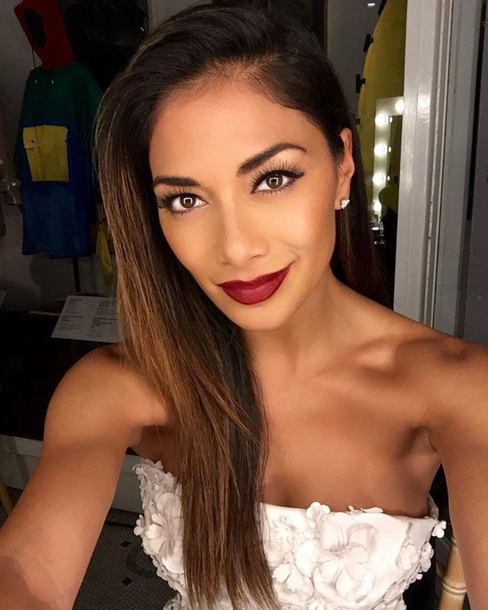 """Nicole uploads a flawless selfie backstage at the """"One For The Boys"""" fashion ball"""