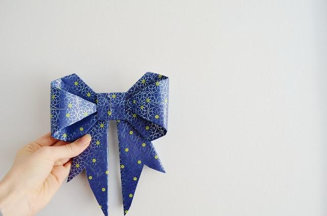 DIY: origami bows