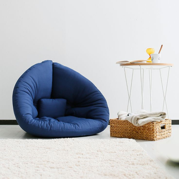 組み合わせれば円形のマットレスにもなるユニークなデザインのおしゃれなかわいい座椅子。デンマークのデザインコンテストで優勝した若手デザイナーが手がけた2Wayソファ。