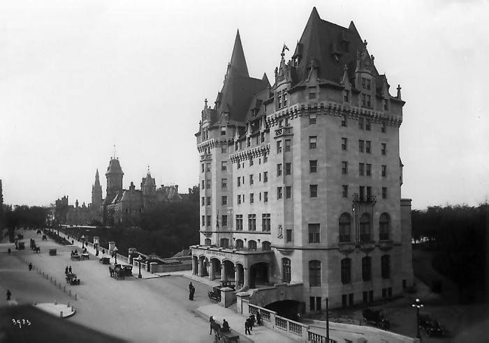 A brand new Chateau Laurier back in 1912