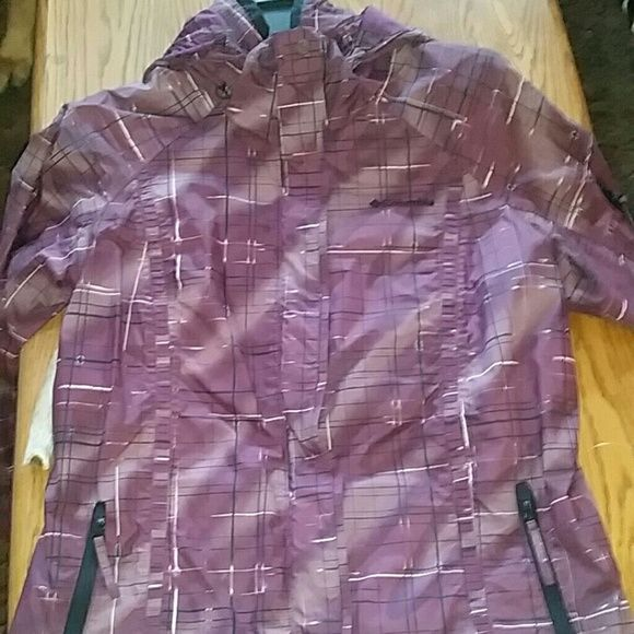 Columbia coat Fall/winter coat. I used it for snowboarding. It is in great shape. Columbia Jackets & Coats