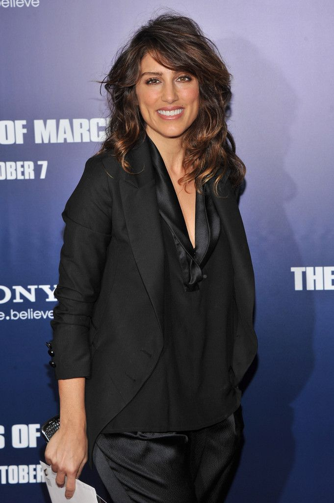 """Jennifer Esposito attends the premiere of """"The Ides of March"""" at the Ziegfeld Theater on October 5, 2011 in New York City."""