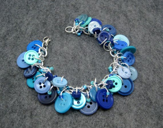 http://randomcreative.hubpages.com/hub/How-to-Make-Bracelets-10-Easy-Simple-Tutorials-Patterns