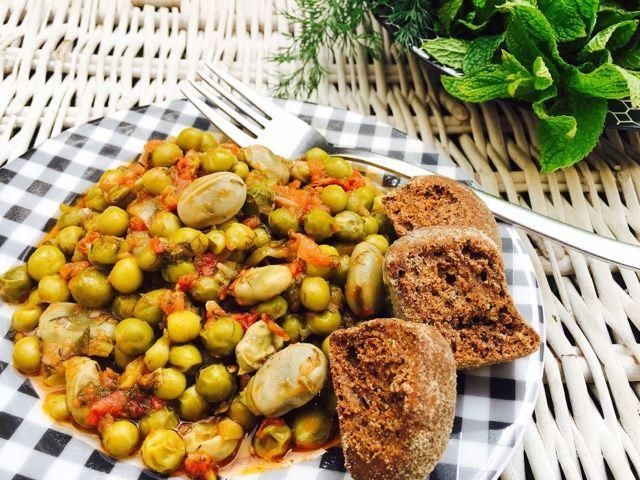 Gourmelita: Φρέσκος Αρακάς με Κουκιά και Μυρωδικά