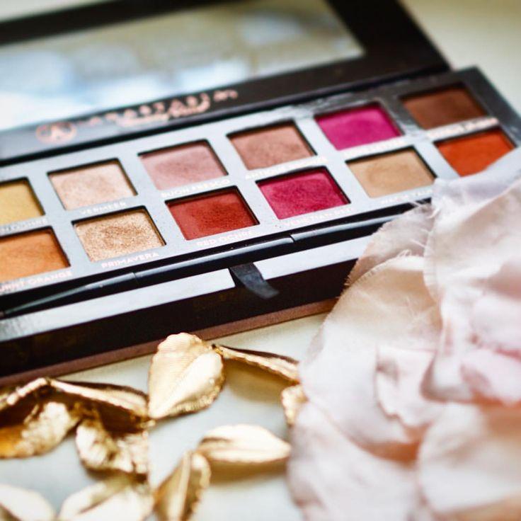 """66 tykkäystä, 1 kommenttia - Merit Lindén (@meritofbeauty) Instagramissa: """"This one just is everything. #modernrenaissance #anastasiabeverlyhills #eyeshadow #palette #makeup…"""""""