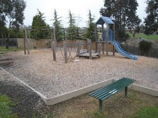 Kamarooka Drive Reserve, Between Kamarooka Dr and Edward St, Wattle Glen    Facilities: playground and seats