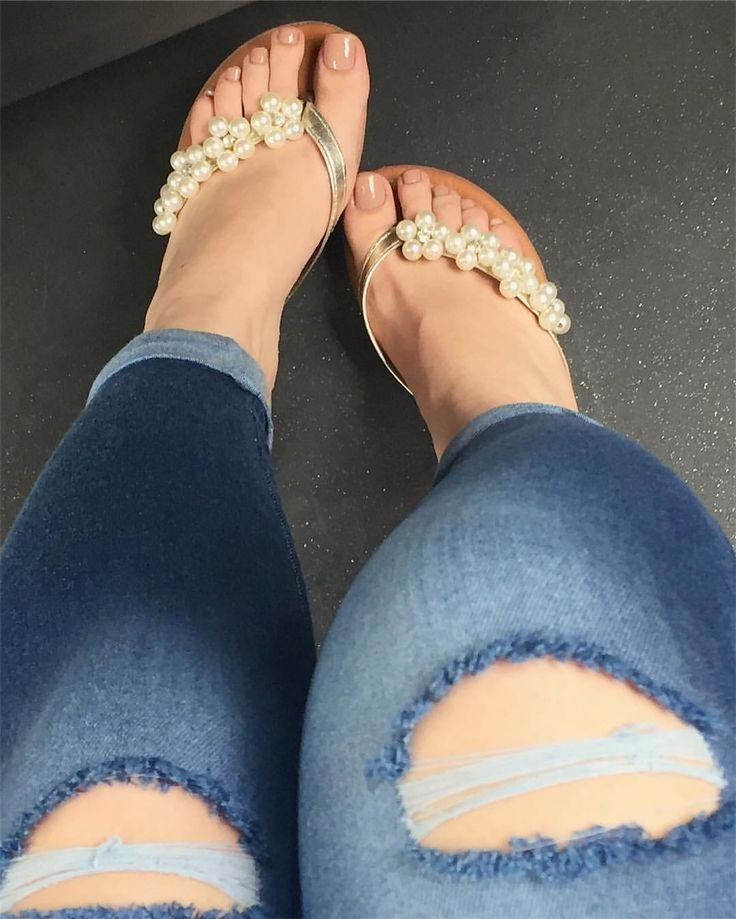 Legs & Feet's