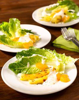 FRUCHTIGER SALAT VOM SALARICO - Zutaten für 2 Personen: 1 SalaRico, 1 Baby-Ananas / 1 kleine Dose, 3 Mandarinen / 1 kleine Dose, 200ml Joghurt, 1 unbehandelte Zitrone, 1-2 EL Mayonnaise, Salz und Pfeffer (roter Pfeffer oder Zitronenpfeffer passen sehr gut). Hier geht`s zur Zubereitung: http://behr-ag.com/de/unsere-rezepte/rezeptdetail/recipe/fruchtiger-salat.html