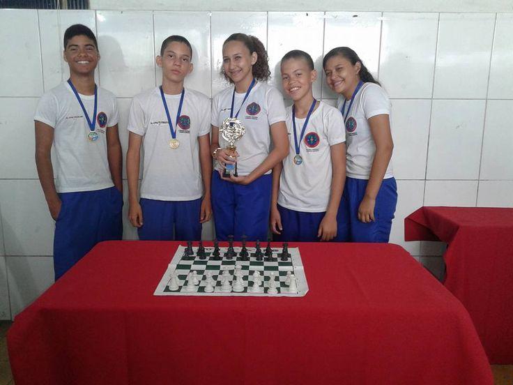 Equipe de enxadristas do CPM Juazeiro é campeã no I Torneio Escolar de Xadrez por equipes mistas de Juazeiro-BA