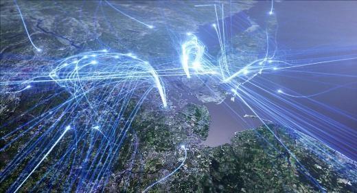 """ABD'de yayın yapan PBS kanalı için hazırlanan """"America Revealed"""" (Amerika'nın Sırları) belgeseli için hazırlanan bu uydu fotoğrafları, ülkeye bambaşka bir gözle bakmayı sağlıyor. ABD'deki havaalanlarından kalkan 50 bin uçak her gün 2 milyon yolcu taşıyor. Haritada da görüldüğü gibi bu uçaklar ülkenin her köşesini birbirine bağlıyor. En büyük havaalanları haritada çok net görülebiliyor."""
