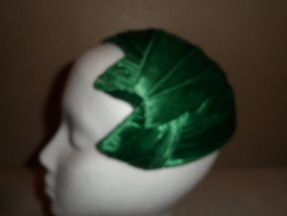 Vintage 1950's Kelly Green Cocktail Hat by thomaslozzi on Etsy, $40.00