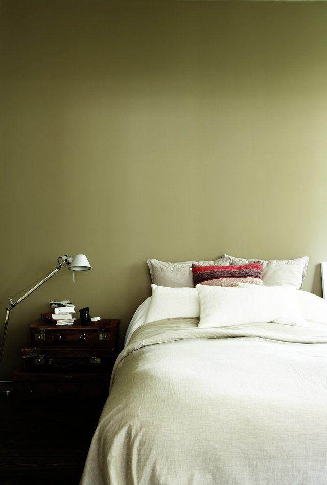 Les 25 meilleures id es de la cat gorie chambres vert - Peinture kaki clair ...