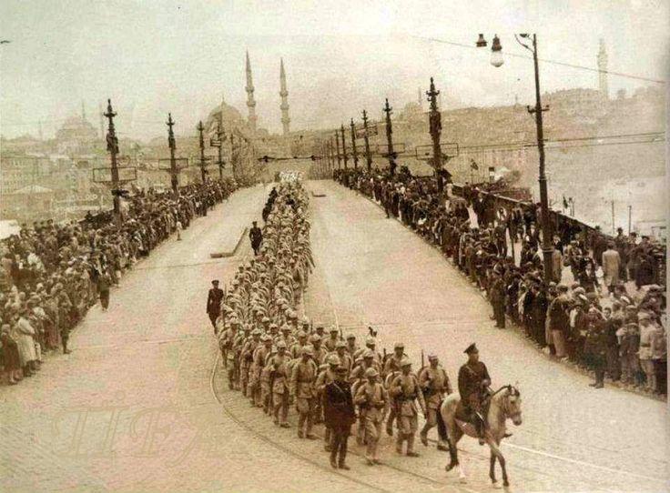 6 EKİM 1923 TÜRK ORDUSU İSTANBULA GİRİYOR. İSTANBUL'UN İŞGALDEN KURTULUŞ GÜNÜ