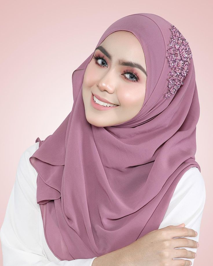 One of the favourite colours of many, say hello to iris purple  . Iris with Purple Lace|www.hanabella.com.my . #shawl #instant #janeinstantbeadedshawl #lovely #sweet #hijab #hijabi #fashion #style