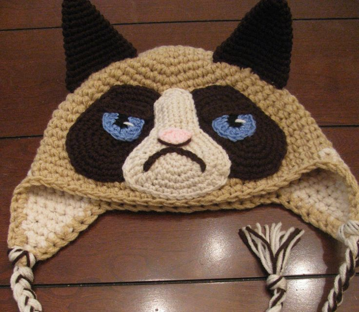 Crochet grumpy cat hat