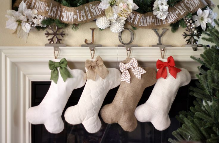 Dont leave out the furry members of the family this Holiday Season!  From top-to-bottom they measure approximately 16.5 inches.