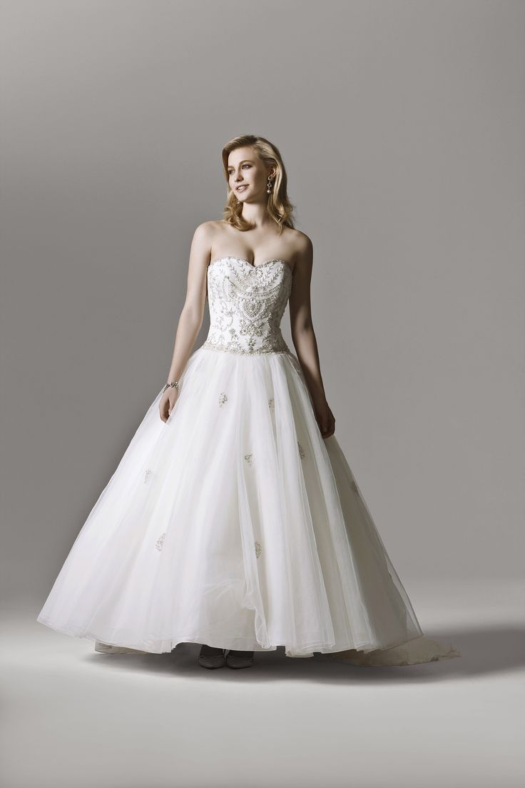 Henry Roth Isabella Colour Ivory/Silver Size 12 Price $700